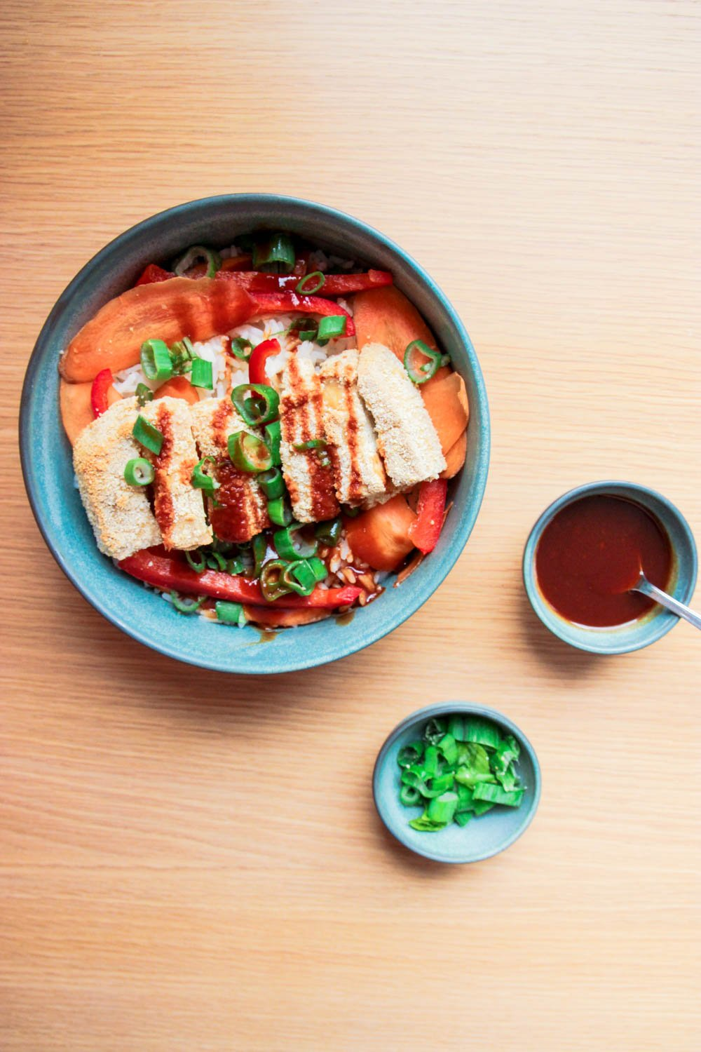 This picture shows the finished Japanese Tofu Katsu Bowl.